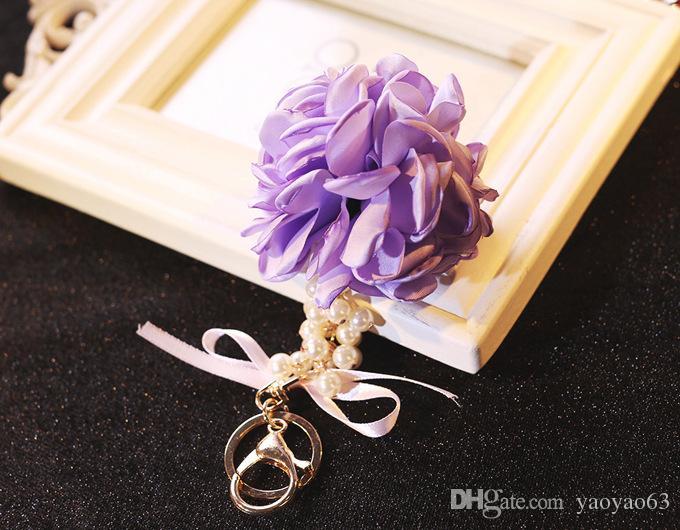 Ornamenti d'attaccatura dell'automobile degli ornamenti di lusso della perla della palla del fiore del keychain del fiore coreano