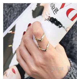 여성을위한 패션 한국어 보석 골드 링 개성 삼각형 더블 브이 삼각형 스타일 은색 미디 손가락 링 여성 반지