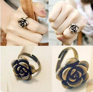 New Fashion Jewelry Gift Cluster Anelli Fiore rosa Etnici Regolabile Anello per le donne Accessori per le donne Gioielli Retro Anelli di bronzo antico