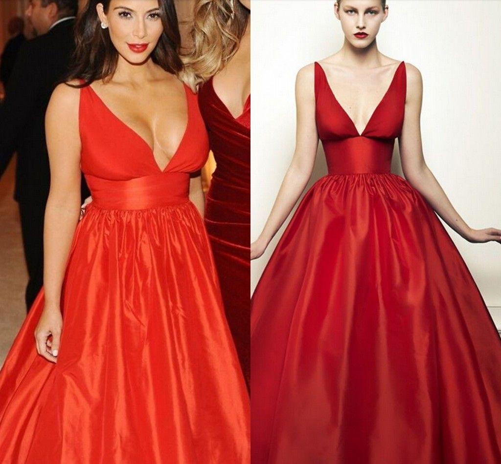 Semplice scollo a V sexy abiti da sera celebrità Kim Kardashian Plus Size Red Satin Prom Gowns lunghezza del pavimento abiti da sposa abiti del partito
