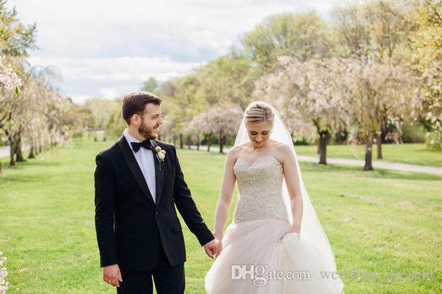 Муж Кристин Куинн жених смокинги 2015 бабушка невесты черный Шафер свадебные костюмы жениха вечерние костюмы (куртка + брюки + галстук-бабочку)