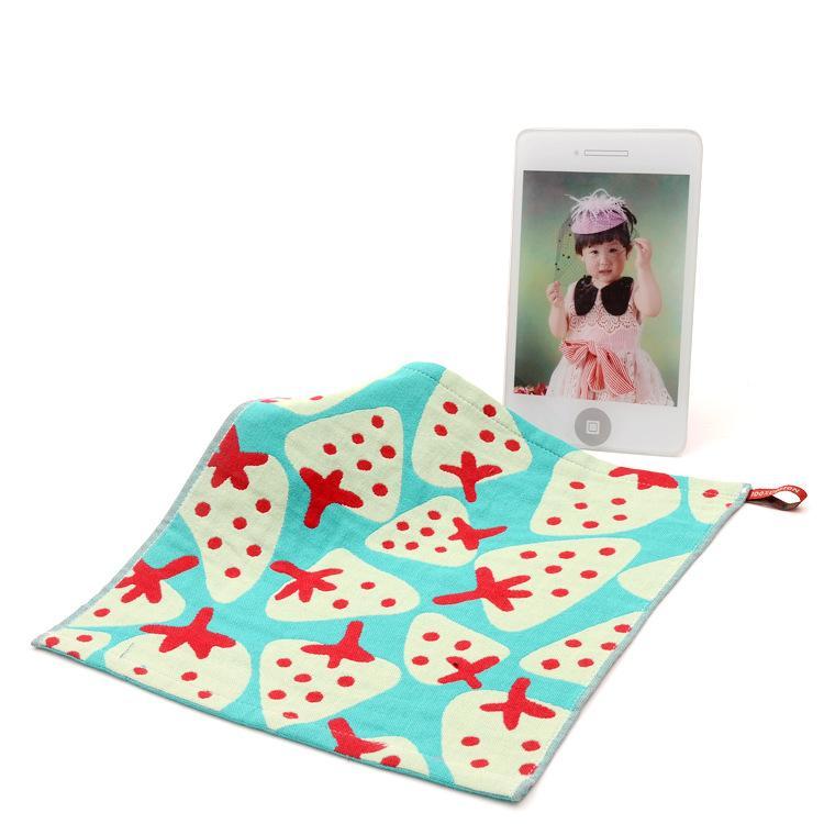 piazza asciugamano fragola corda asciugamani scuola materna mano gancio del cotone del bambino towelcloth pulito garza 3 strati 2pcs / lot