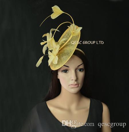 Nuovo arrivo. Champagne oro sinamay Fascinator Fascinator piuma con fiori di piuma per Melbourne cup, Wedding.Kentucky derby.
