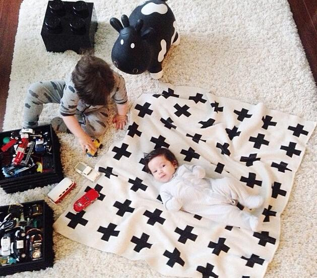 Baby Bedding Provided Baby Blanket Black White Cute Rabbit Swan Cross Knitted Plaid For Bed Sofa Cobertores Mantas Bedspread Bath Towels Play Mat Gift Customers First