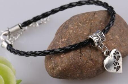 Heart Cat Dog Paw Print Pulseras Lucky Charms Pulsera de cuero Amulet Jewelry Making Pulsera para mujeres Regalos Accesorios