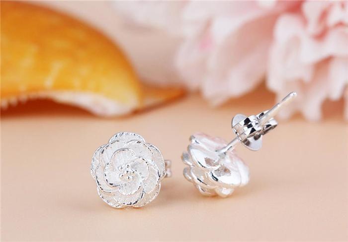 925 스털링 실버 우아한 사쿠라 새로운 도착 크라운 스터드 귀걸이 쥬얼리 아름다운 웨딩 / 약혼 선물 무료 배송