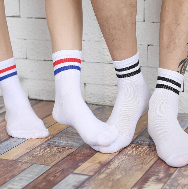 Wholesale- Classic Long Zwei gestreifte Socken Retro Old School von Qualitäts-Baumwolle für Damen Herren Skate Socken 21006
