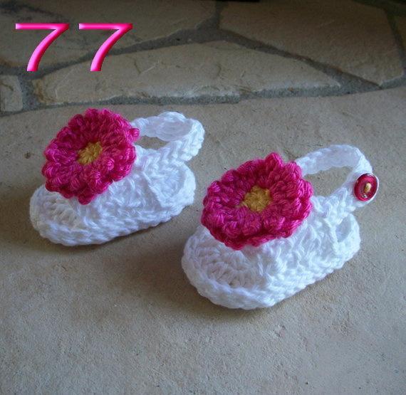 Free shipping Handmade Knitting Baby White & Rose Flowers Sandals, Crochet Toddler shoes,Baby girl Flip flops