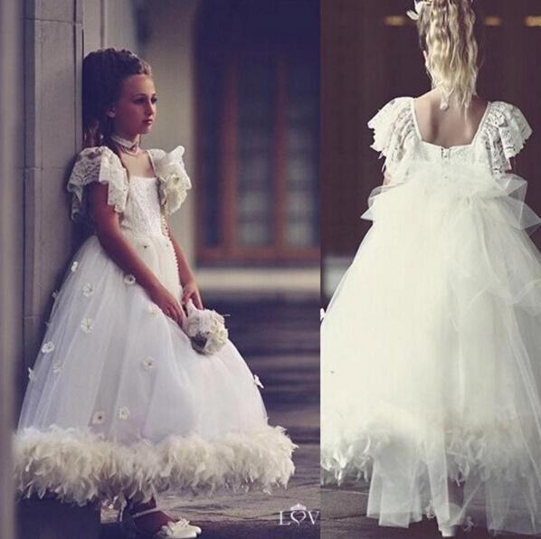 White Feathers Flower Girl Dresses With Lace Capped Sleeves Scoop Tulle A Line Vinatage Princess Child Pageant Gowns With Appliques