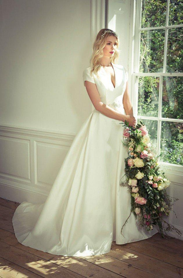 Cheap Modest Plus Size A Line Wedding Dresses With Short