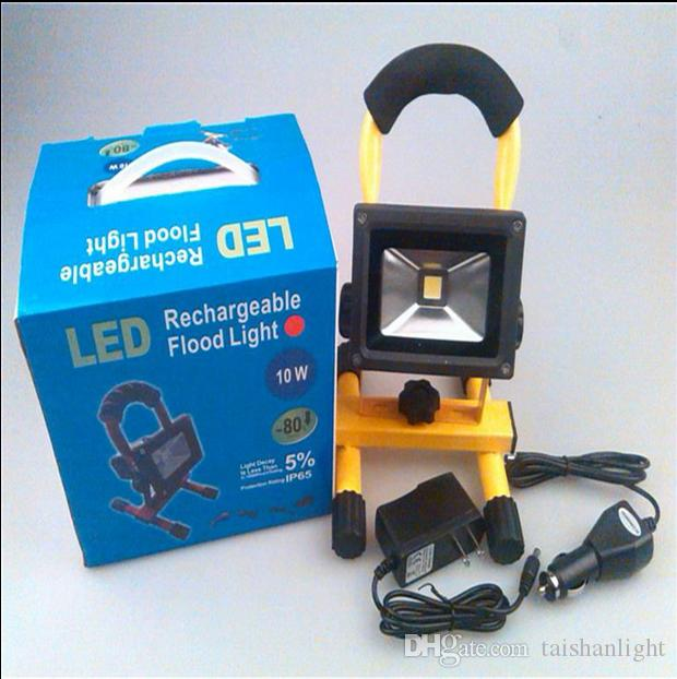 Hot 10W 900LM Portable LED Floodlight Emergency Rechargeable Lamp 4400mAh Working time: 4 hours Camping Light Lamp Waterproof IP65+2 Charger