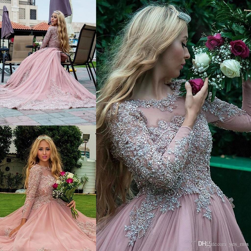 2017 Dusty Pink Ballkleid Langarm Abendkleider Muslim Prom Kleider Spitze Appliques Kristall Perlen Puffy Red Carpet Runway Kleider