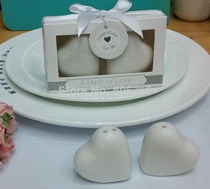 Un chorrito de amor Ceramic Heart Salt Pepper Shakers regalo de cumpleaños del partido del favor de la boda presente 200pcs (100 sets) al por mayor