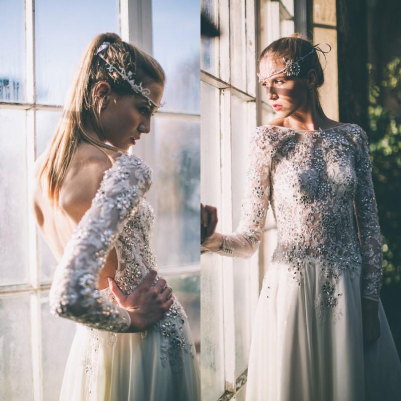 Sexy Durchsichtig Hochzeitskleid Illusion Bateau Ausschnitt Langarm Backless Brautkleider Kristalle Spitze Appliques Boho Brides Wear