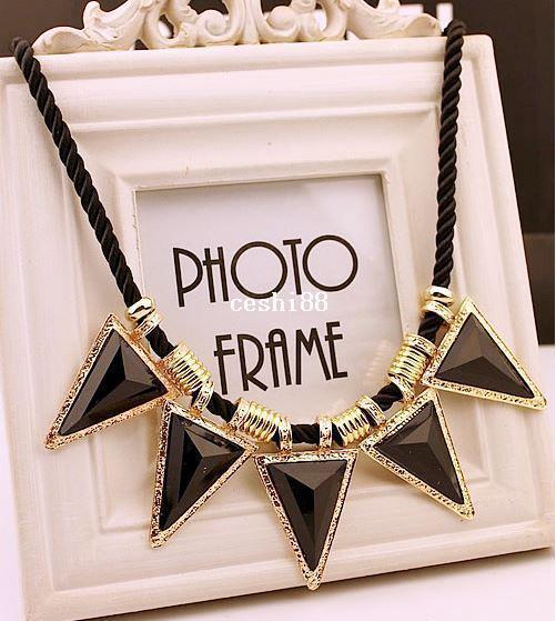 Collane di moda per le donne 2014 oro nero vintage triangolo dichiarazione collane pendenti bavaglino colletto punk lunghi gioielli nuovi di zecca