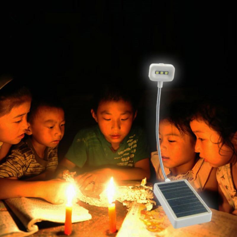 المصنعين براءات الاختراع N600 متعددة الأغراض أضواء الشمسية مصباح للطاقة الشمسية مع انفجار تهمة ضوء كتاب USB