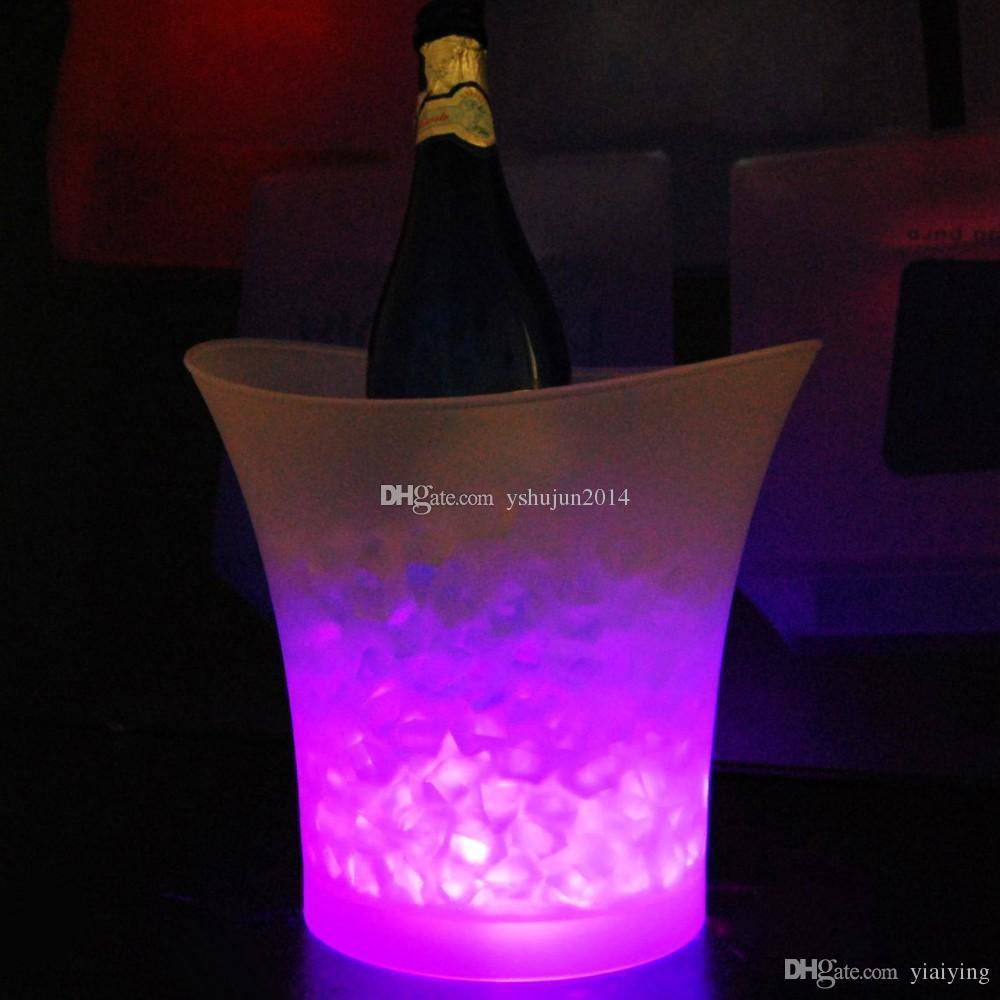 2015 Nuevo Cambio de Cubo de Hielo LED, Cambio de Color, Grubios Níseros de 5L LED LED Encienda Hielo Cubo de hielo Champagne Vino Cerveza Barras de cubo