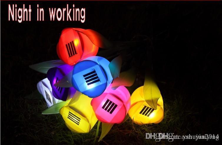 Venta caliente Luces LED Potente con energía solar Tulip Flor Luz de jardín al aire libre patio 7 de color para elegir
