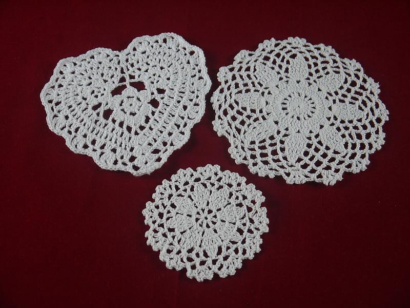 handmade Crocheted Doilies branco do laço 3 Projeto esteira do copo vaso Pad, montanha-redonda 10-16 cm Início Jardim esteira de tabela de 30 PCS / LOT tmh364