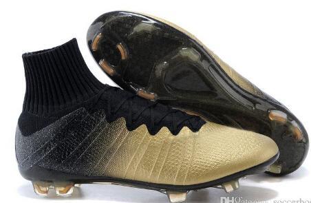 Großhandel 2015 Neue Heiße Cristiano Ronaldo CR7 Ballon D # 039; Or High Cut Fußballschuhbügelfußballschuhe Real Carbon Fiber Bottom Magista Obra