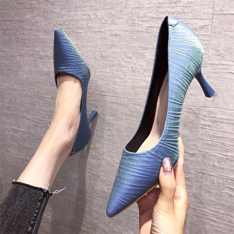 Kleidschuhe elegante dame stiletto ferse high heels 2021 vintage zerknitterte spitze spitze flach mund internet frauen mode