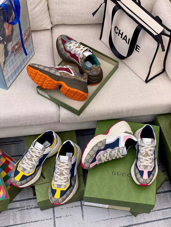 2021 zapatos de diseñador Rhyton Sneakers Beige Hombres entrenadores Vintage Luxury Chaussures Ladies con caja Tamaño 35-45