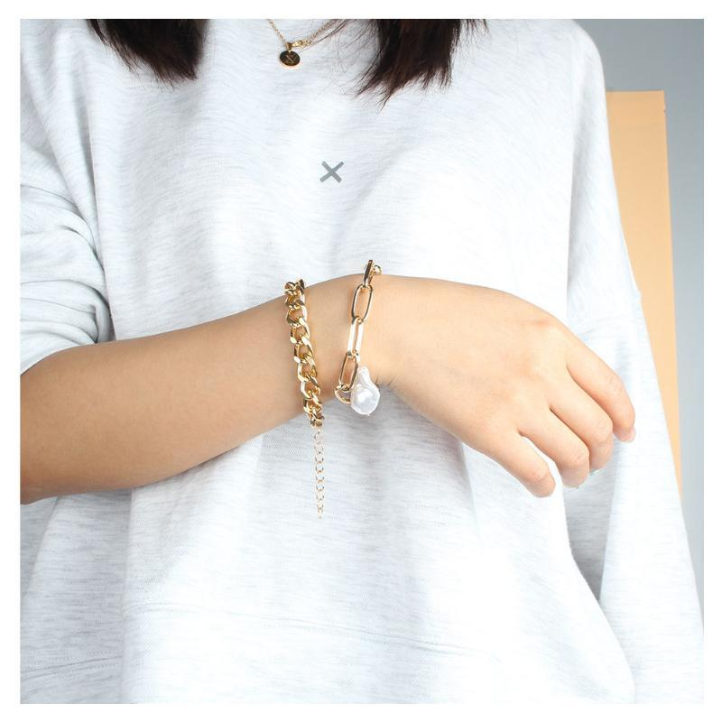 Charm Bracelets Baroque Shaped Imitation Pearl Bracelet Women Alloy Simple Chain Set Miami Boho Thick Gold Color Bangles Fashion