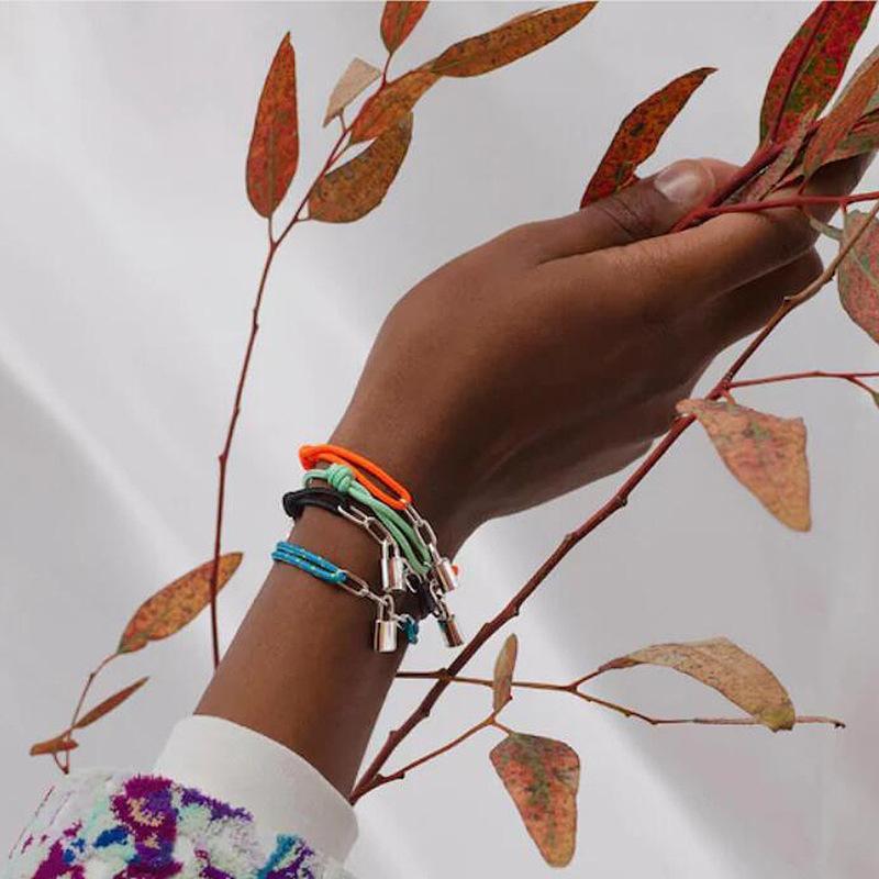 الأزياء الكلاسيكية السلس حبل سوار قفل شعبية العنصر زوجين أساور للرجال والنساء مجوهرات ساحرة هدايا 705 T2