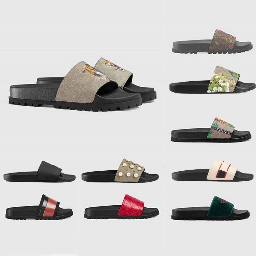 Chinelos de verão mulheres clássicas de couro casual design plano slides flip flops homens luxurys de alta qualidade mulheres sandálias de borracha TPU Silde Mens com caixa tamanho 35-46