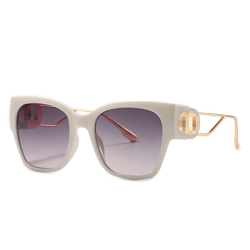 Mode Frauen Sonnenbrille Womans Kleine quadratische Rahmenbrillen Sonnenglas UV 400 Schutzbrille Outdoor Reise Drive Eyewear Beach Eyegla Männer