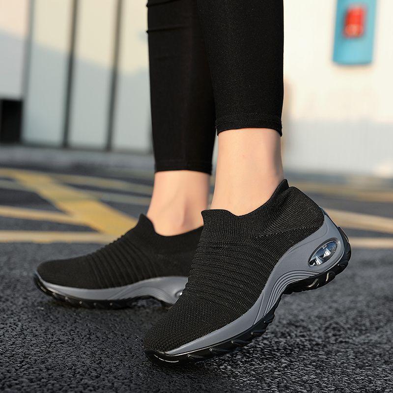 Yükseklik Artan Kadın Ayakkabı Spor Moda Sneakers Çorap Platformu Spor Nefes Siyah Tenis Slip-On Bayanlar