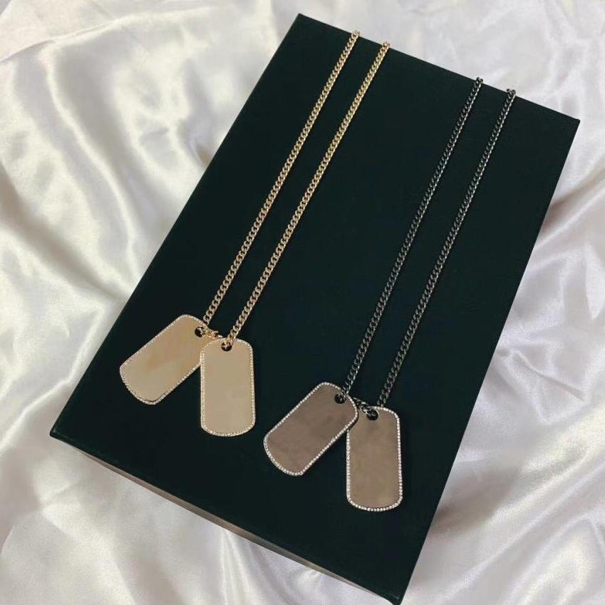 بيع قلادة مستطيلة مع خطابات قلادات الأزياء قلادة للرجل امرأة مصمم مجوهرات عالية الجودة 2 نموذج اختياري وصندوق خاص