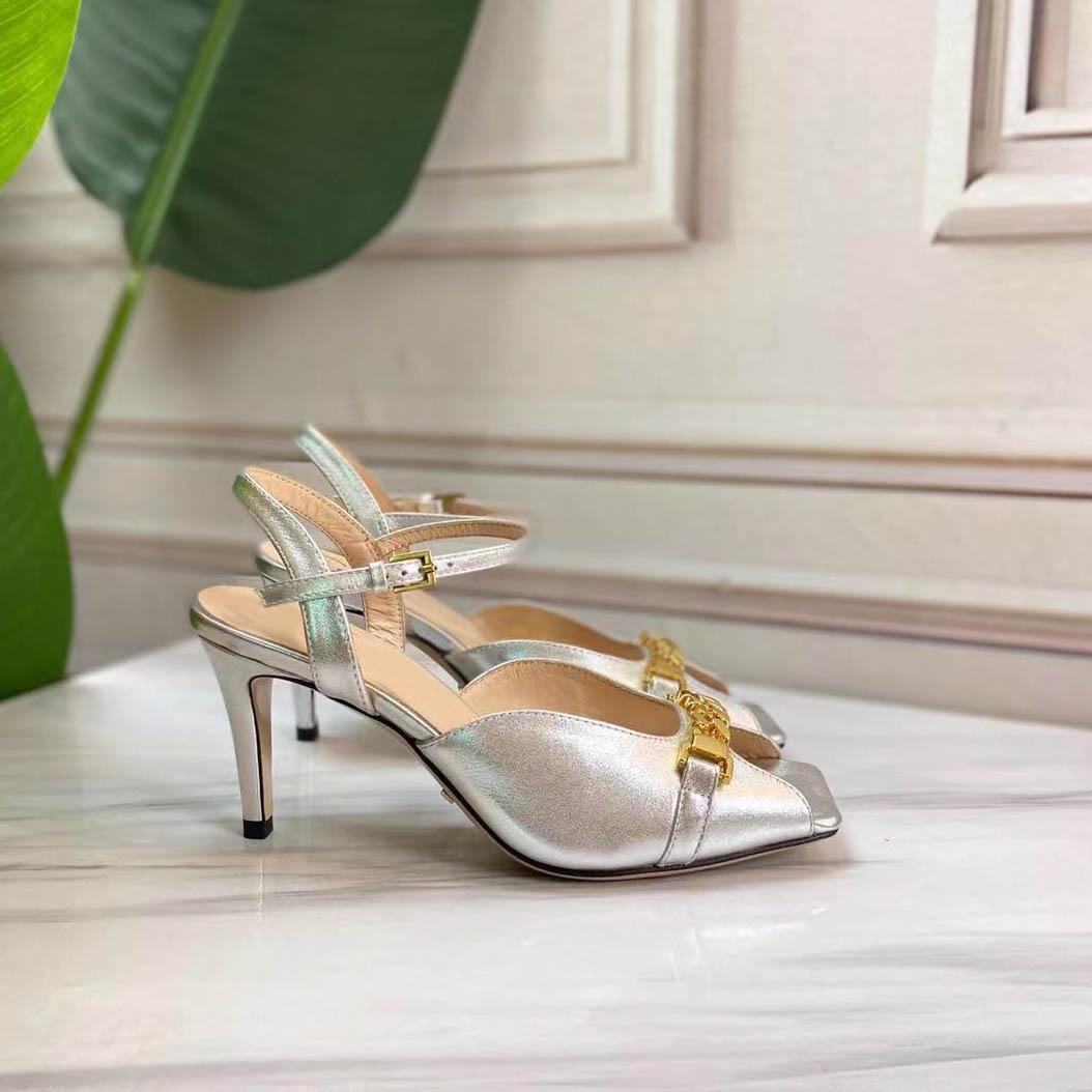2021 Yaz Yeni Roma Tıknaz Topuklu Moda Metal Zincir Bir Çizgi Ile Rahat Tarzı Sandalet Peep-Toe Balık Ağız Terlik Rahat Ayakkabı Sandalet