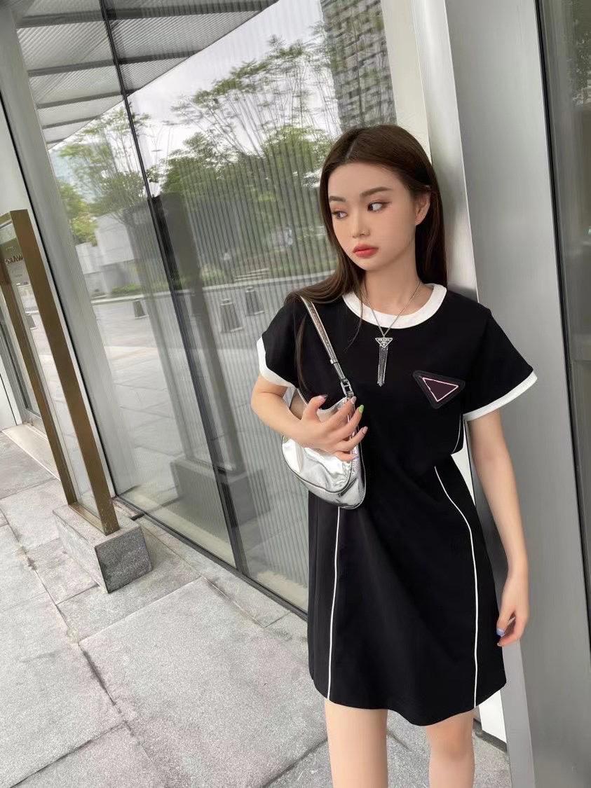 2021 ABD Kadın T Shirt Seksi Tasarımcı Tops Bayan Kısa Kollu Yüksek Yoğunluklu Pamuk Yaz Üst Düzeyli Malzemeler Mükemmel Detay Tişörtleri