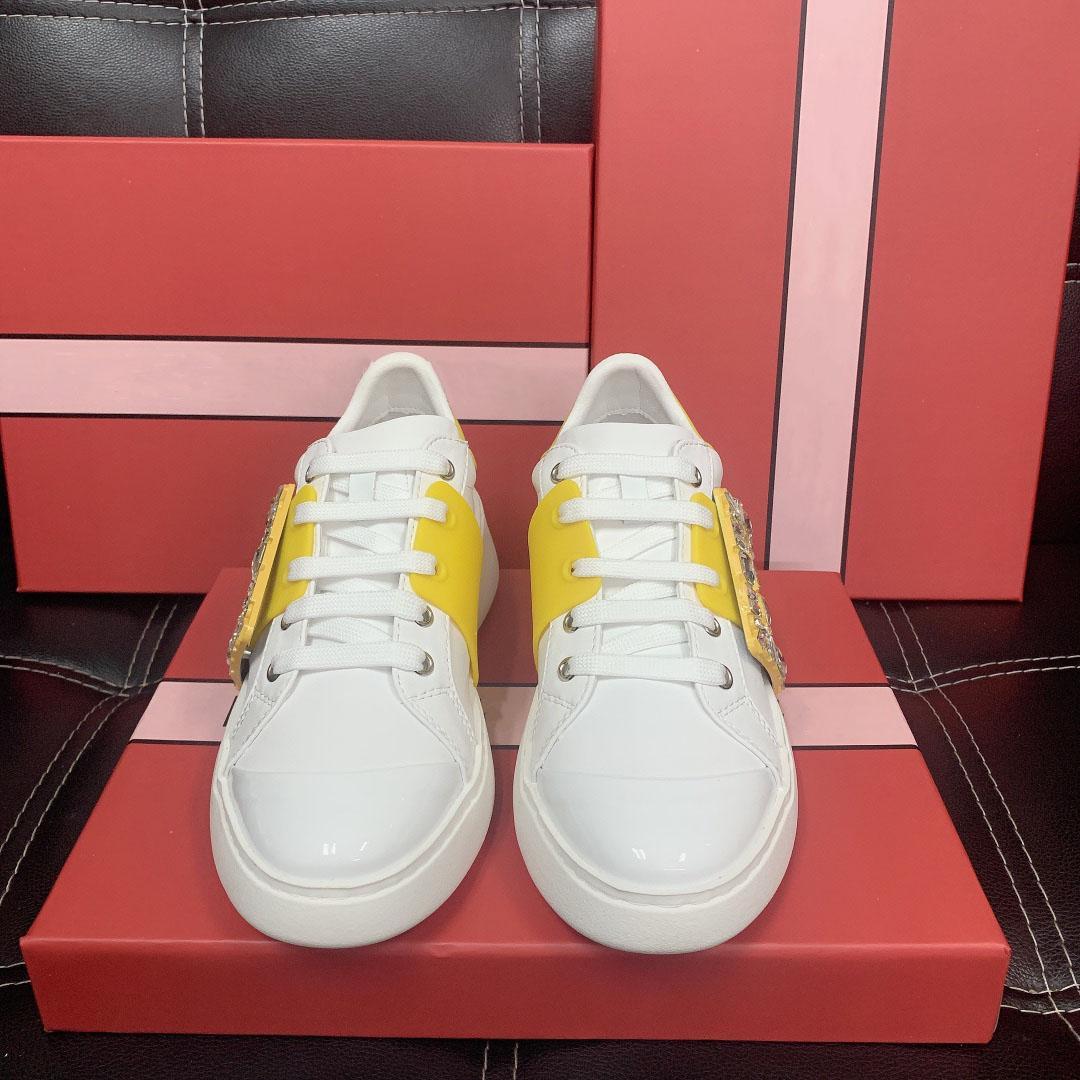 Sapatos casuais de alta qualidade Nova versão superior qualidade requintado sandshoe diamante retangular fanfarrão confortável e respirável sapatos brancos
