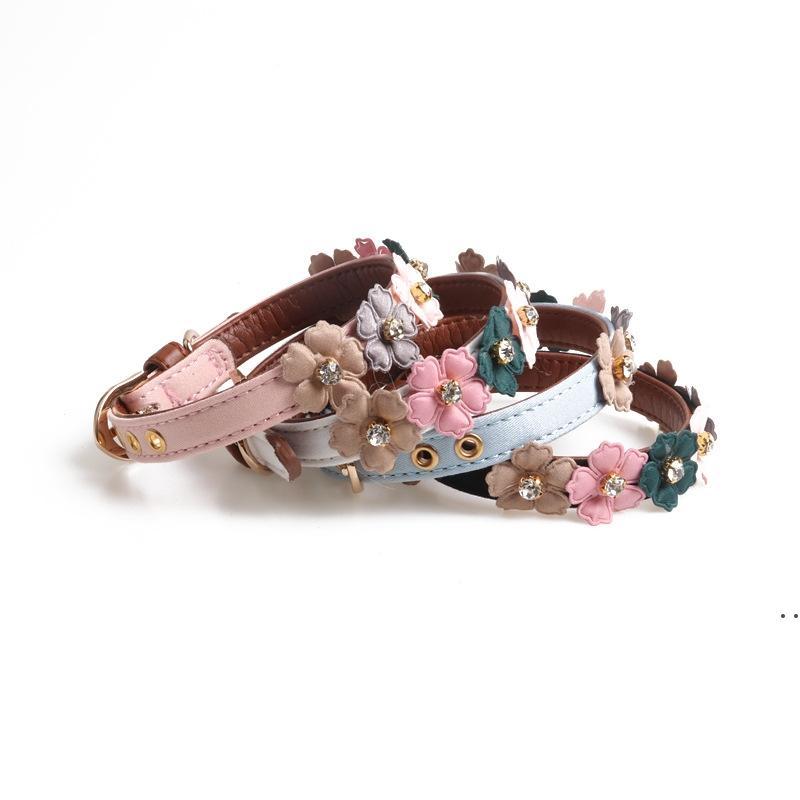 Approvisionnement en cuir Colliers de chien en cuir PU avec cravate de fleur simple floral pour petits chiens HWB6154