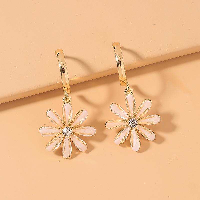 925 Sier İğne Sevimli Küçük Daisy Çiçek Moda Doğal Rüzgar Yaprakları Ins Net Kırmızı Küpe Kız