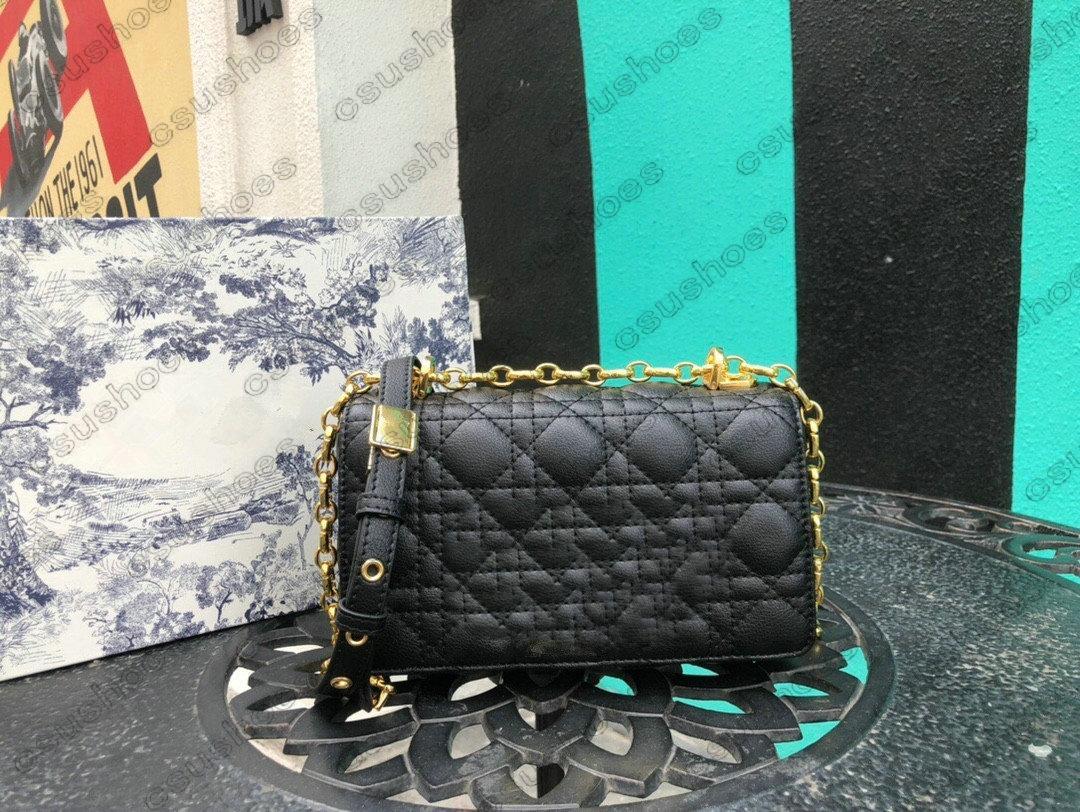 Designer Caro Bag Cannage Calfskin Embossed 30 Designers de Montaigne Luxurys Womens Cross Body Bolsa Ajustável Removível Cadeia Militar-inspirada Fivela 2083