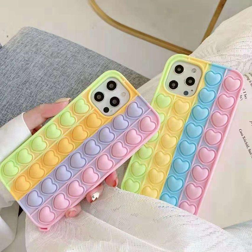Coeur Coloré Pop Fidget Poussoir Toy Bubble Toy Mobile Phone Shell s'applique à Apple * Stress Stress Sensory Silicone Phone's Cas de téléphone LLA695