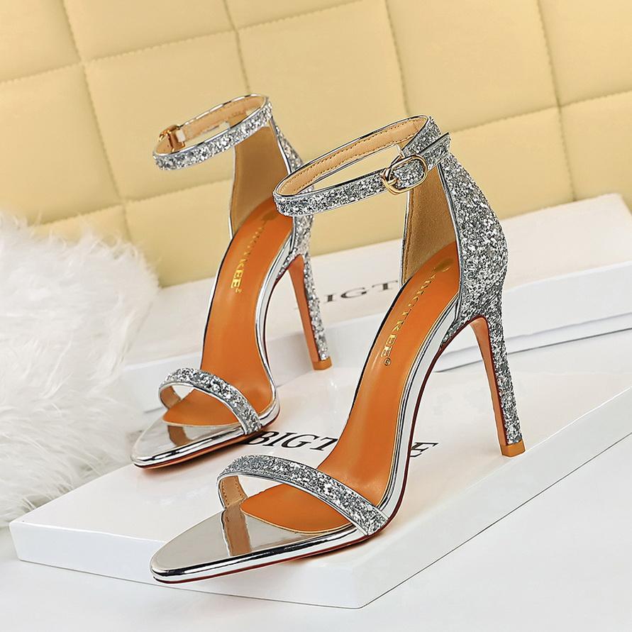 Frauen Schuhe Rote Bottoms High Heels Sexy Spitz-Spitze Rote Sohle 10cm Pumps Kommen Mit Logo Staubbeutel Hochzeitsschuhe