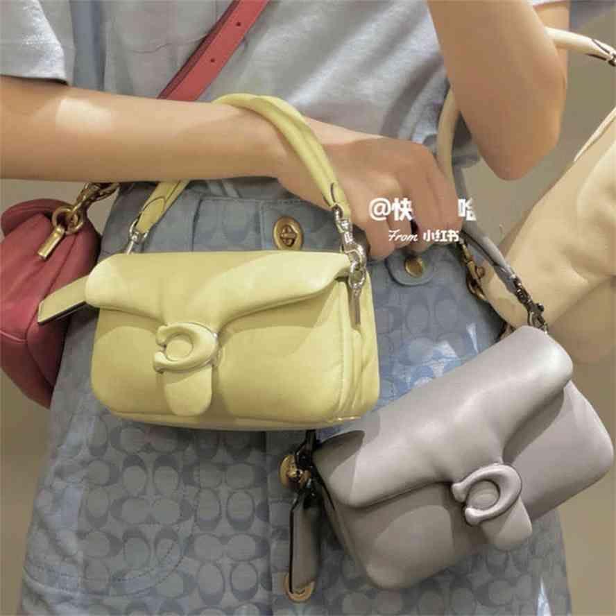 Büyük kapasiteli çanta Luxurys Designer Yeni 2021 Yaz TB Yastık Koyun Yumuşak Tek Omuz Messenger Bagg Çok Yönlü Trend Küçük Kadınlar Luxur9qd0 Cjgg Çanta