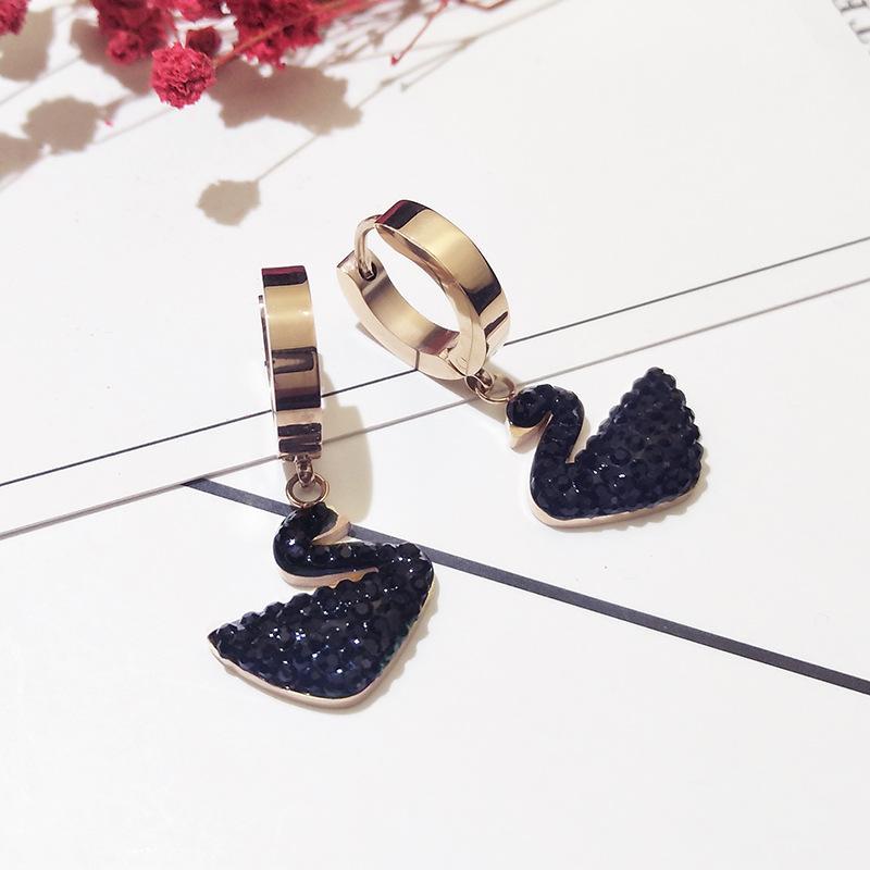 Versión coreana de Zircon Black Rose Gold Color Damas Pendientes Nueva Moda de Lujo Personalidad Temperamento Creativo Creativo Pendientes de banquete