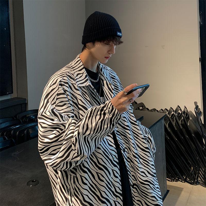 봄과 가을 복고풍 포트 스타일 하라주쿠 얼룩말 거리 패션 느슨한 긴 소매 카메인 Masculina 남자 캐주얼 Shir의 한국어 버전