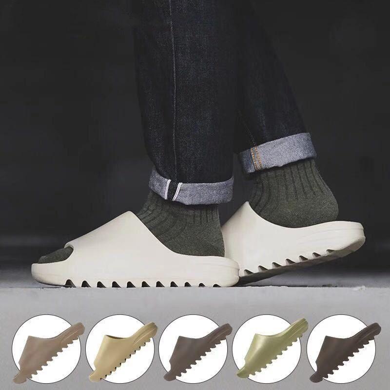 Batı Sandalet Terlik Slayt Ayakkabı Köpük Koşucu Üçlü Siyah Beyaz Kırmızı Kemik Reçine Çöl Kum Dünya Kahverengi Erkek Kadın Sneakers