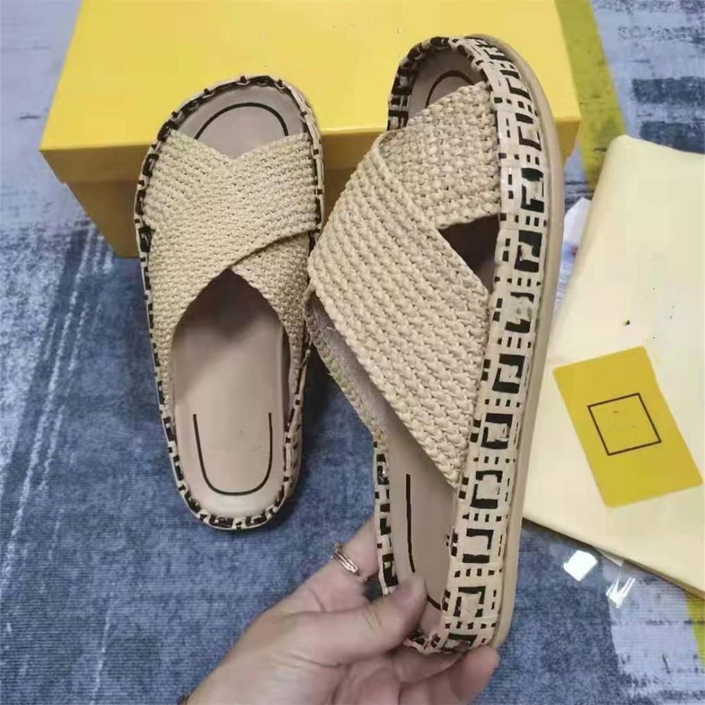 2021 Yaz kadın terlik moda tasarımcısı rahat son saman düz terlik