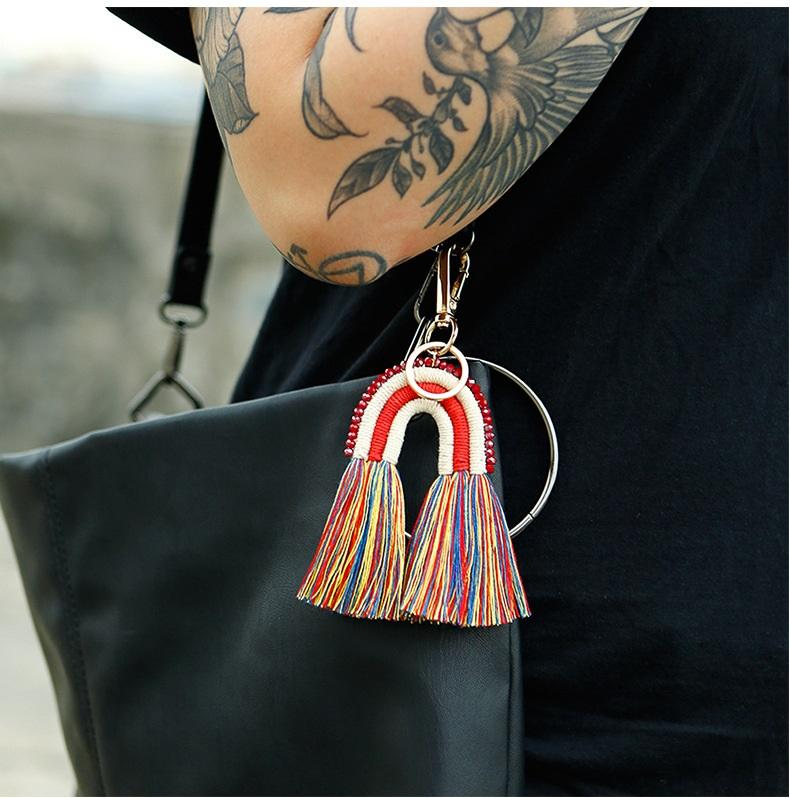 2021 novo tassel keychain arroz bead corda trançada mão-tecida chaveiros saco de estilo arco-íris pingente keyring bonito para mulheres meninas presente pendente