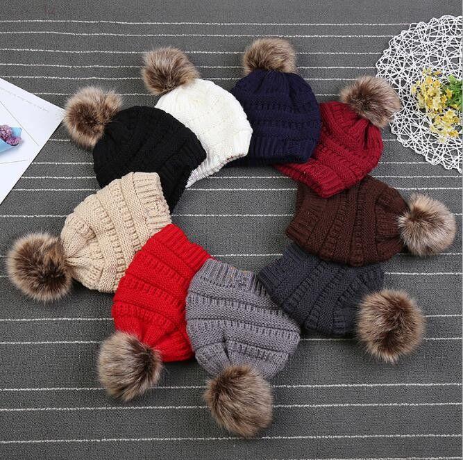 Kinder Erwachsene Pelz Pom Mützen mit Liner Trendy Hüte Winter gestrickt Luxuskabel Slouchy Schädelkappen Freizeit Beanies GWD10202