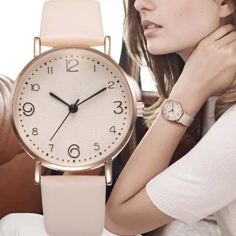 Reloj de pulsera de las mujeres de cuarzo simple Mujeres Luxury Arabic Numerals Dial Características Relojes de las señoras Relogio Relojes de pulsera Feminino