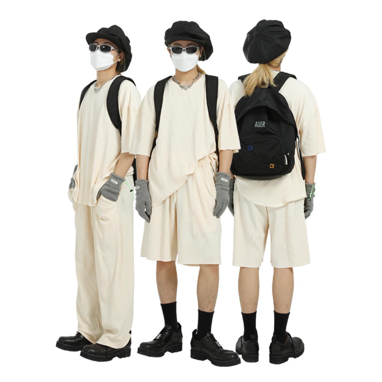 MTL hombres   2021 Verano Nuevo Trazo de moda de ocio Amantes de color sólido Camiseta de manga corta Juego de tres piezas