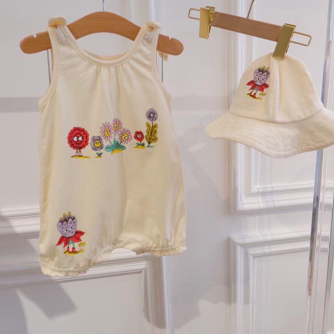 Baby Girl Летние Rompers со шляпкой Девушки Симпатичные рюшащие Уголовки Backbush Backbusits Младенческая Хлопок Короткая Рукав Наряды One Piece Bowknot